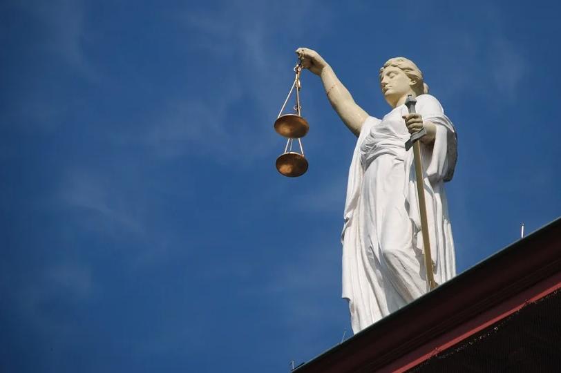 11 maanden cel geëist tegen voormalig hoofdofficier Vincent Leenders voor betaalde seks met minderjarige