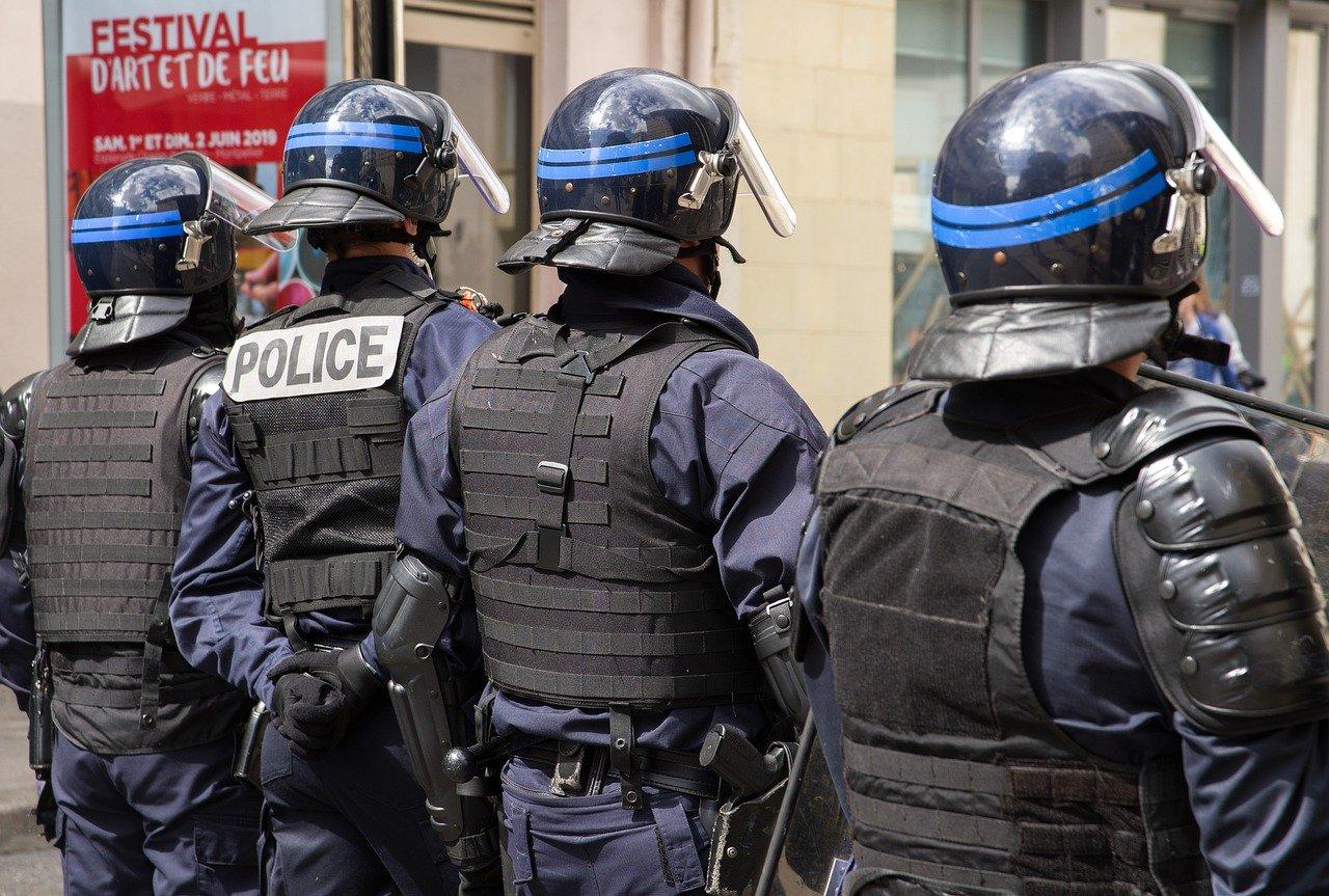 gewapende-man-gijzelt-vier-mensen-in-bank-in-het-franse-le-havre