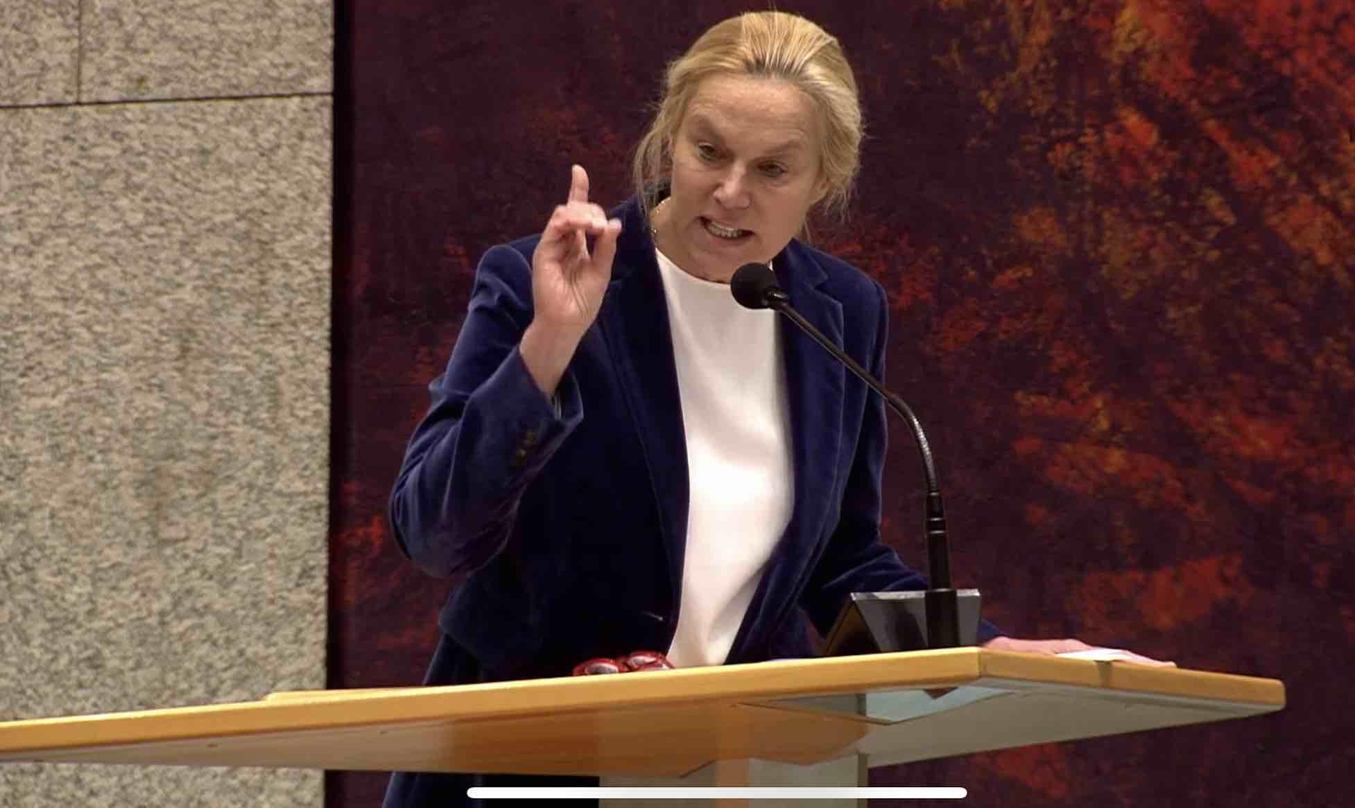 Sigrid Kaag informeerde Tweede Kamer niet over fraudemelding bij Witte Helmen